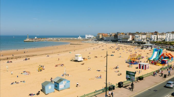 England's Creative Coast: Seven Site-Specific Art Commissions by